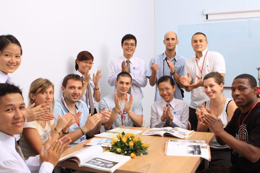 Top các trường đào tạo tốt nhất ngành xuất nhập khẩu và Logistics