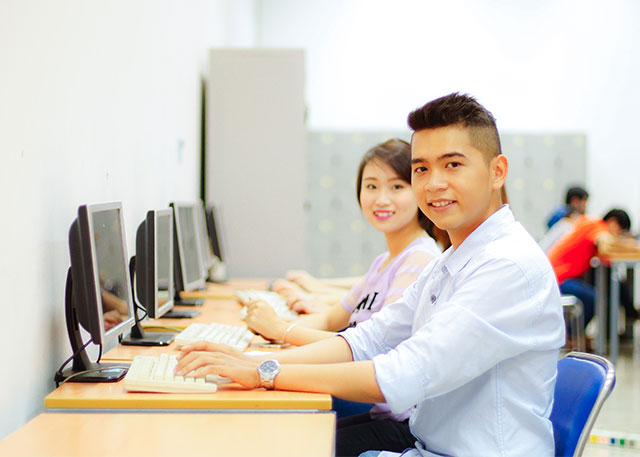 top các ngành học hot trong kì thi Đại học 2018